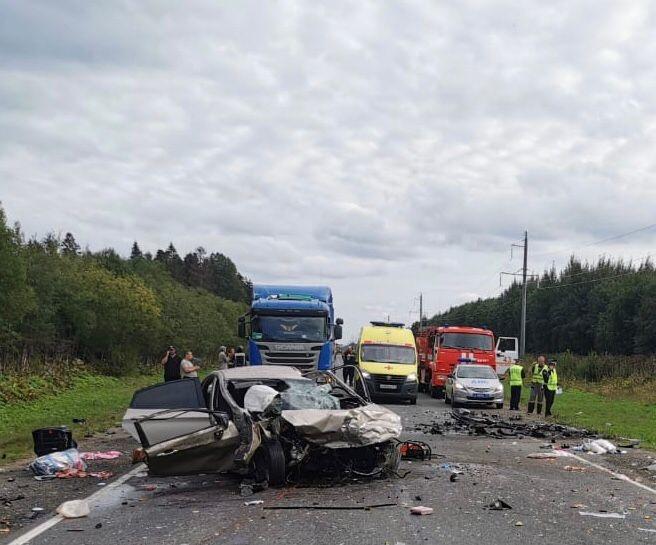 Спасатели Ленинградской области приняли участие в ликвидации последствий ДТП в Гатчинском районе