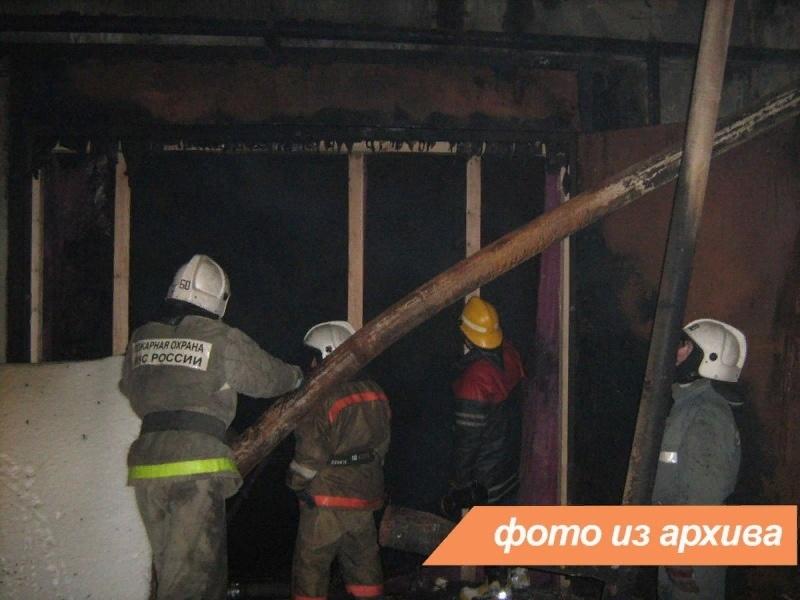 Пожарно-спасательные подразделения Ленинградской области ликвидировали пожар в г. Сланцы