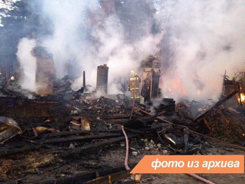 Пожарно-спасательные подразделения Ленинградской области ликвидировали пожар в г. Тихвин