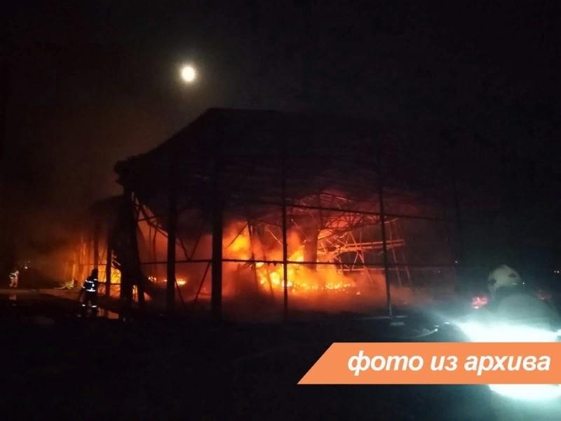 Пожарно-спасательное подразделение Ленинградской области локализовало пожар в г. Лодейное поле